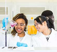 International students in the laboratories in the University of Leicester International Study Centre